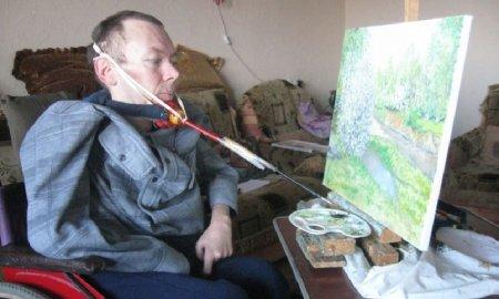 Художник Сергей Елисеев из ВКО победил ДЦП своим творчеством