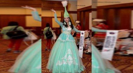 Казахстанка покорила своим платьем жюри Miss Cosmopolitan в Малайзии