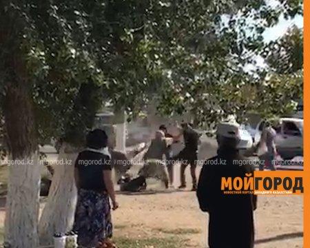 Полицейские ищут бабушку, разнимавшую дерущихся парней в Уральске