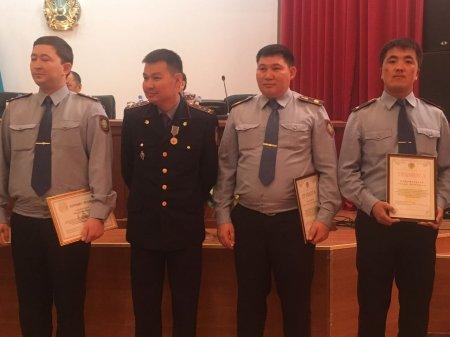 Почетными грамотами и медалями наградили полицейских из Актау за несение службы на «ЭКСПО-2017»