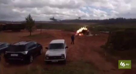 Вертолет выпустил ракеты по зрителям во время учений под Санкт-Петербургом