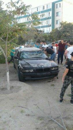 В 12 микрорайоне Актау перевернулся автомобиль