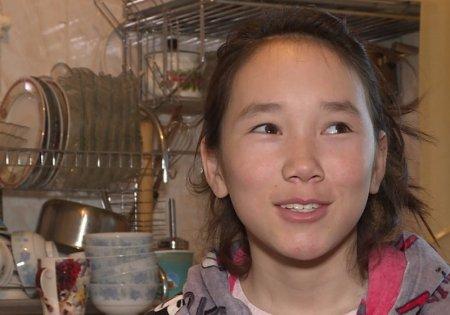 Девочку из Кыргызстана, которая в 13 лет содержала всю семью, номинировали на международную премию