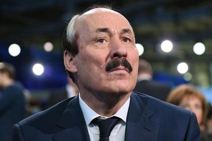 Путин принял досрочную отставку главы Дагестана