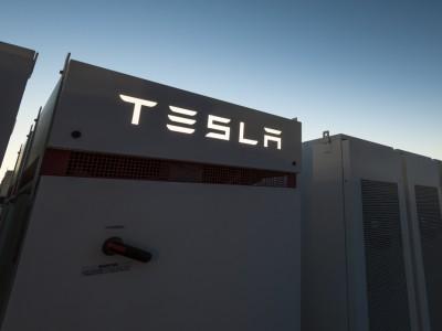 Илон Маск на спор построит крупнейшее энергохранилище в мире