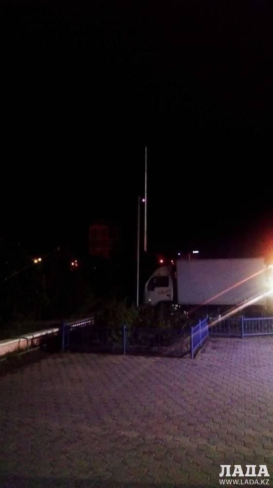 В акимате Актау прокомментировали отсутствие самого большого государственного флага