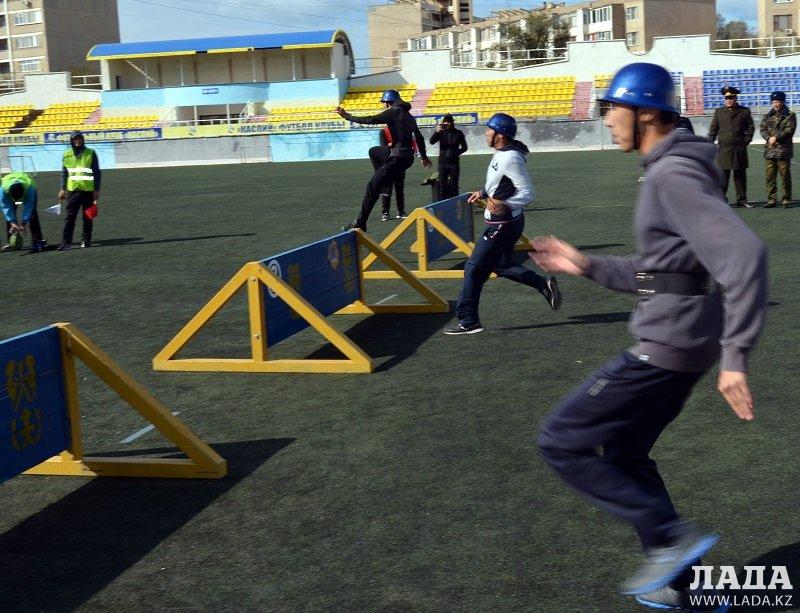 В Актау 13 команд приняли участие в соревнованиях по пожарно-спасательному спорту