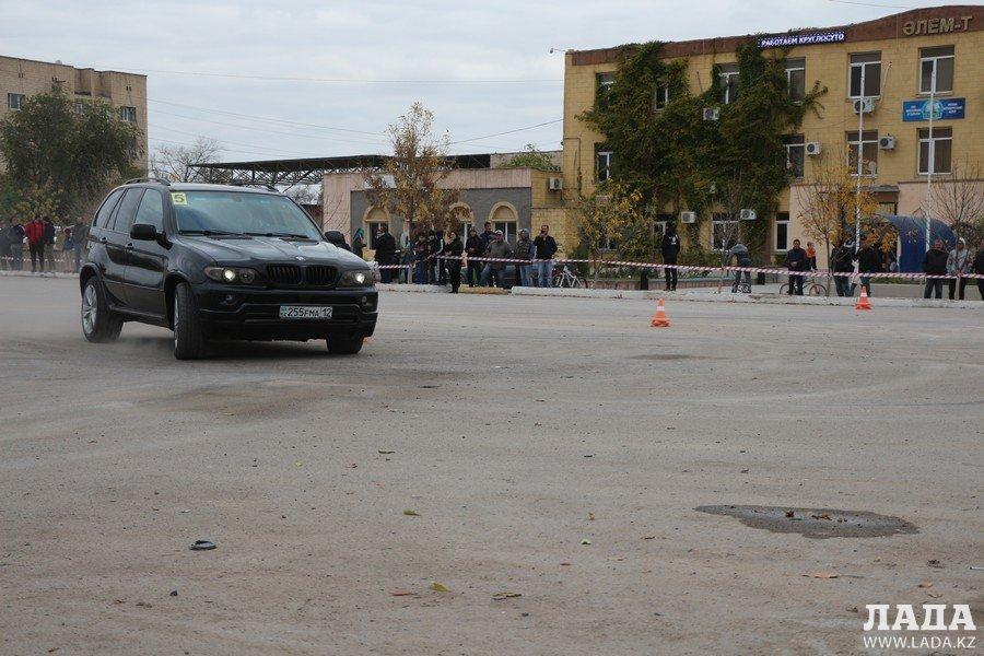 В Актау определили победителей соревнований по скоростному маневрированию