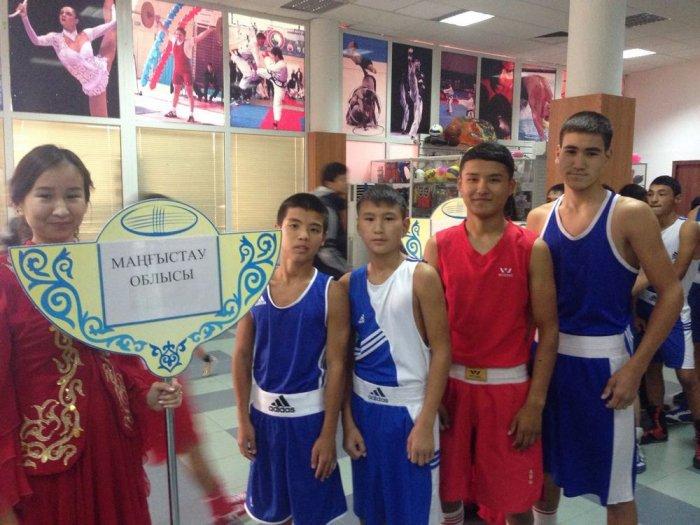 Боксеры из Мангистау завоевали 10 медалей на республиканском турнире в Атырау