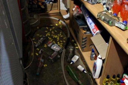 Два енота из Украины выпили весь алкоголь в магазине и устроили пьяный дебош