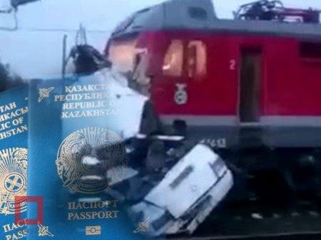 Казахстанец погиб в ДТП с автобусом и поездом в России