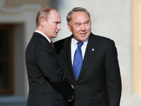 Назарбаев поздравил Путина с юбилеем