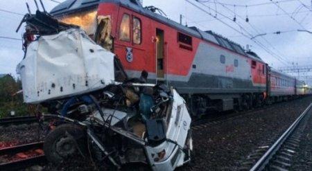 Снесенный поездом казахстанский автобус был непригоден для перевозок - прокуратура РФ