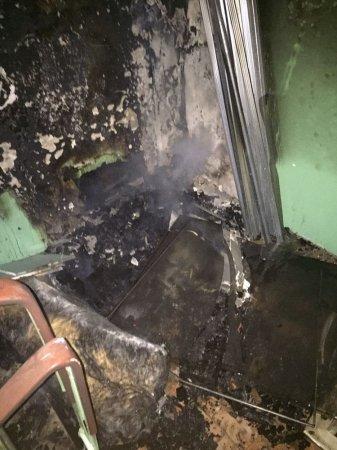 В Актау пожарные спасли мужчину