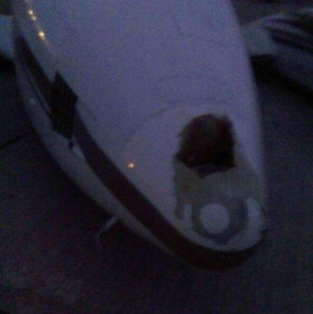 Самолет совершил посадку без шасси в Уральске