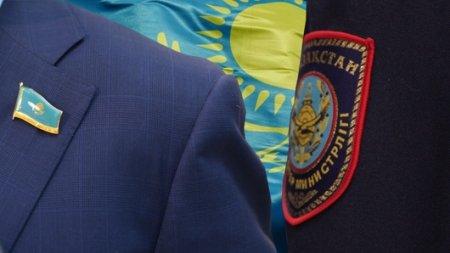 Депутатам и полицейским повысят зарплату. Выделят 33 миллиарда тенге