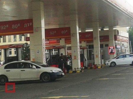 Цена бензина может достичь 160-161 тенге за литр к началу ноября - Бозумбаев