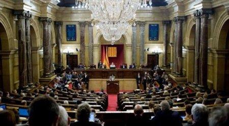 Премьер Испании распустил парламент Каталонии