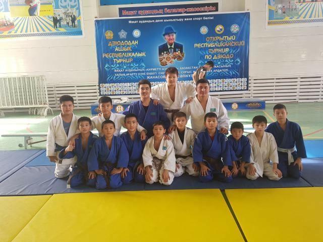 Мангистауские дзюдоисты привезли 20 медалей с двух республиканских турниров