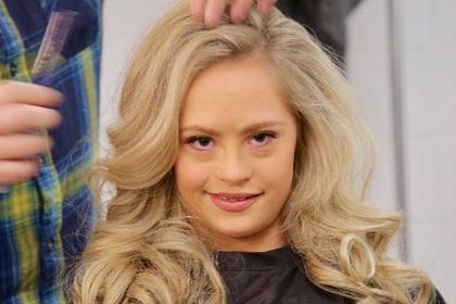 Девушка с синдромом Дауна впервые выиграла конкурс красоты в США