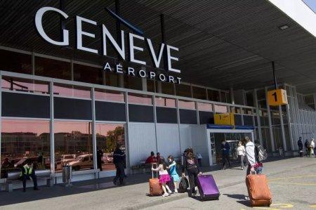 В аэропорту Женевы семилетняя девочка без родителей и билета проникла на борт самолета