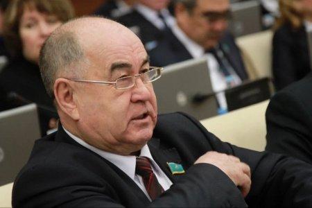 «Мы веники у себя в стране не можем сделать»: Депутат жестко раскритиковал чиновников