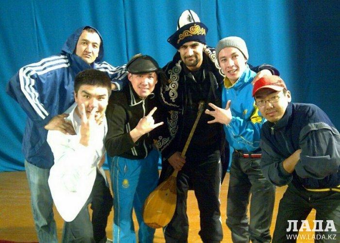 В международный день КВН Lada.kz вспоминает популярных игроков из Актау
