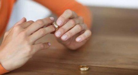 """""""Разводов стало больше"""". Увеличить пошлину за расторжение брака предложили в Казахстане"""
