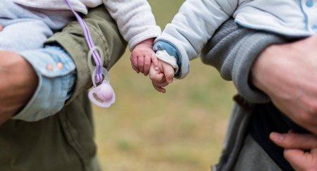 """В Казахстане за 20 лет родились более 10 тысяч детей """"из пробирки"""""""