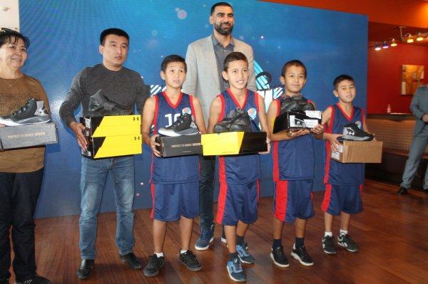 Баскетбольный клуб «Каспий» представил составы команд сезона 2017/2018