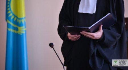 Актюбинский прокурор плакал и просил не сажать его в СИЗО