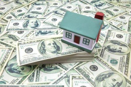 Нацбанк предложил конвертировать долги валютных ипотечников по курсу 188,35 за доллар