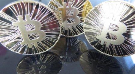 Bitcoin приближается к отметке в 10 тысяч долларов