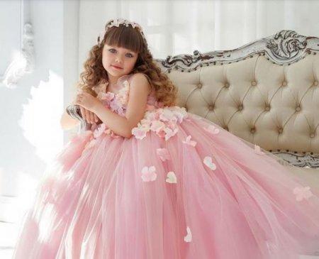 """Шестилетнюю россиянку признали """"самой красивой девочкой в мире"""""""