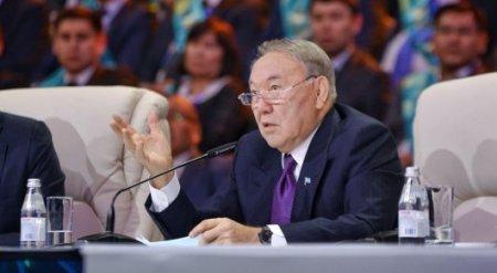 Назарбаев компаниям: Возвращайте деньги и держите их в Казахстане