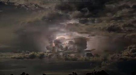 """""""У инопланетян дискотека"""": в Сети набирает популярность видео """"мегашторма"""""""