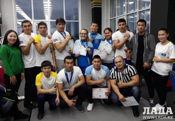 На кубке Казахстана по армрестлингу спортсмены из Мангистау завоевали пять наград