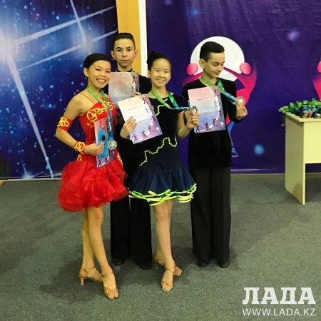 Танцоры из Актау завоевали весь комплект медалей на международном турнире по спортивным бальным танцам
