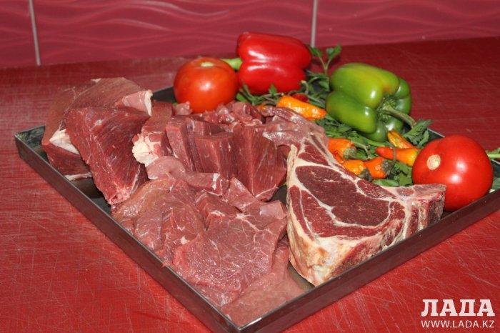 Мясо - главное блюдо новогоднего стола