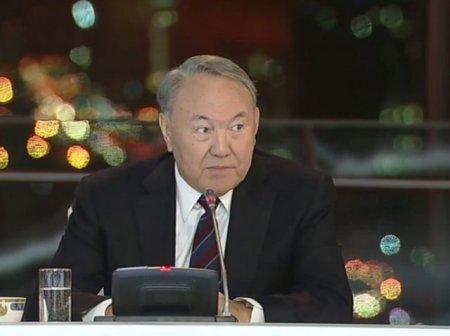 Назарбаев: Государство не может давать квартиры бесплатно
