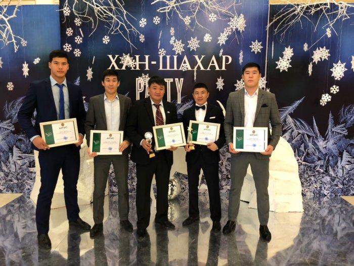В Актау наградили лучших спортсменов и тренеров 2017 года