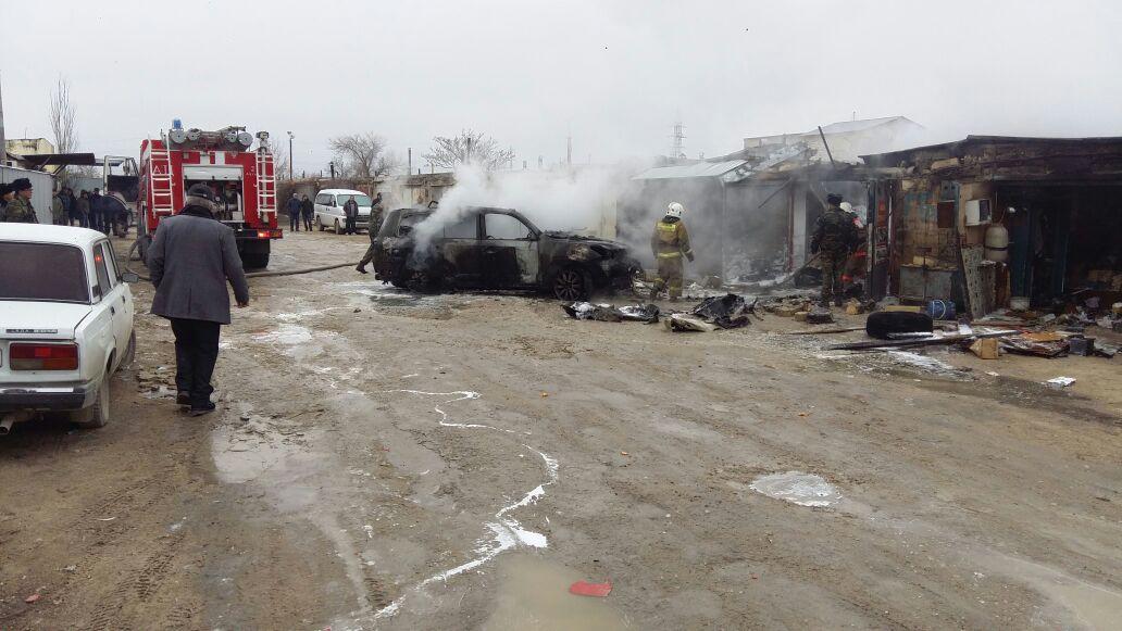 При пожаре в гаражном кооперативе в Актау пострадал мужчина