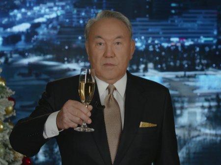 Мы достигли важного рубежа - Назарбаев записал новогоднее обращение