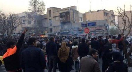В Иране арестовано более 450 участников акций протеста