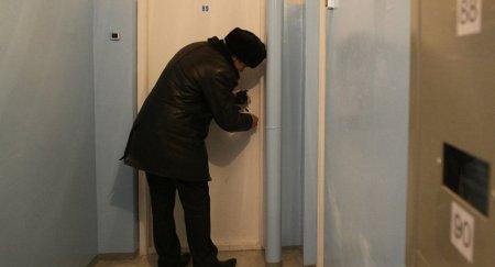 Есть ли чудо: неизвестный мужчина подарил семье квартиру в Караганде