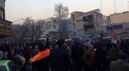 Власти Ирана объявили о провале протестного движения