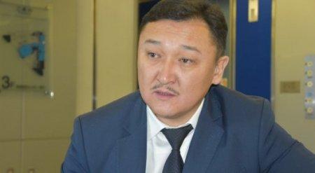 Заслуженный деятель РК Ерлан Билал уличен в получении взятки в 1,5 миллиона