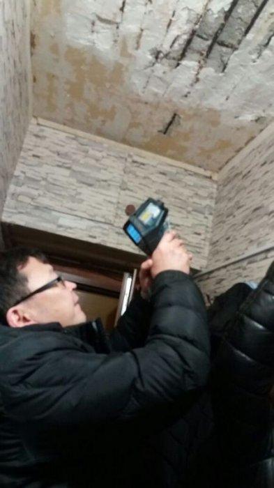 Возможную причину обвала потолка в 5 микрорайоне Актау озвучили в жилищной инспекции