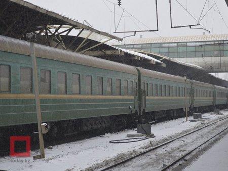 """О поездке в """"самом худшем поезде в Казахстане"""" рассказал депутат"""