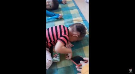 В Таиланде мама нашла необычный способ отучить детей от смартфона